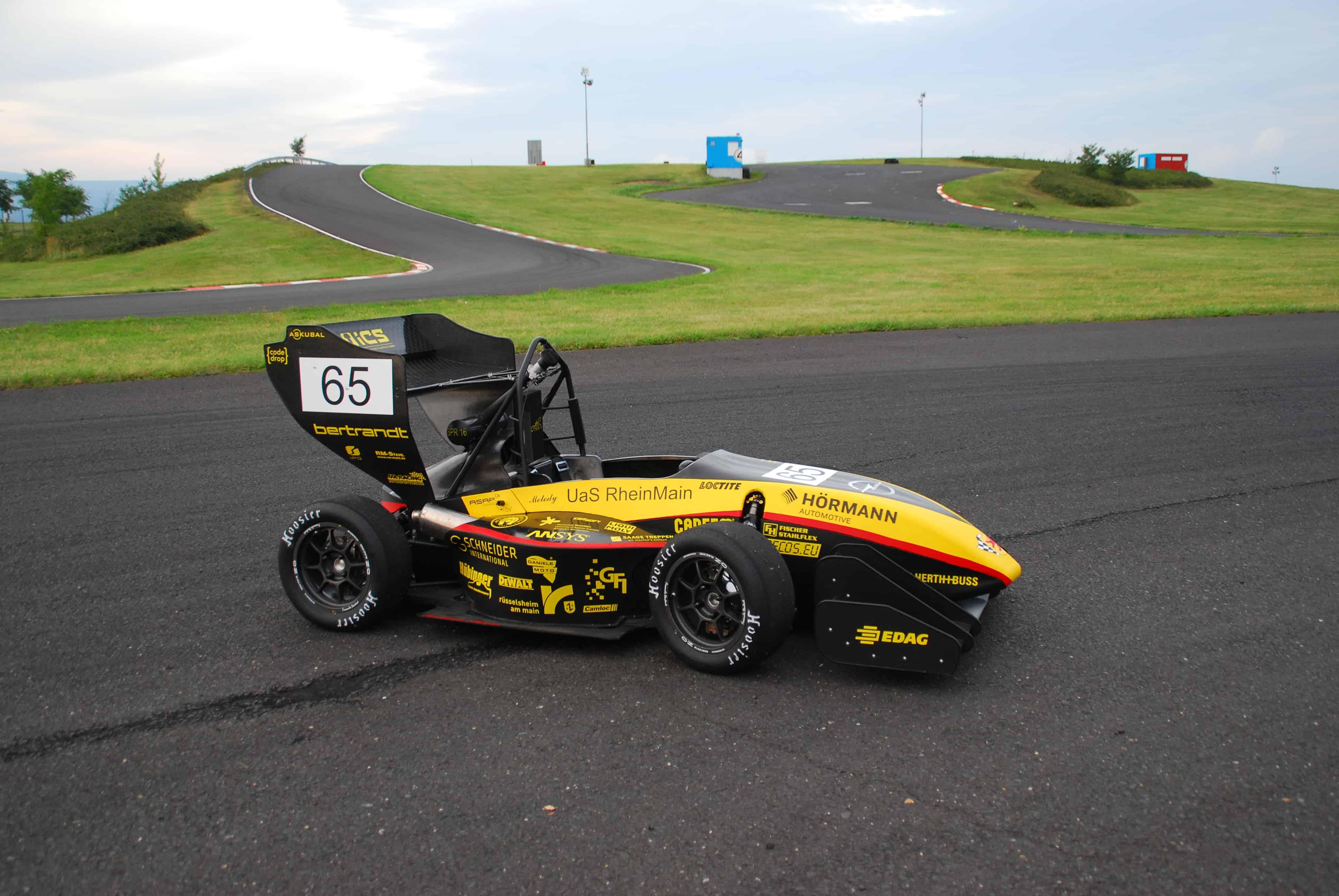 Formula-Student-Melody-SPR16-Combustion-Scuderia-Mensa