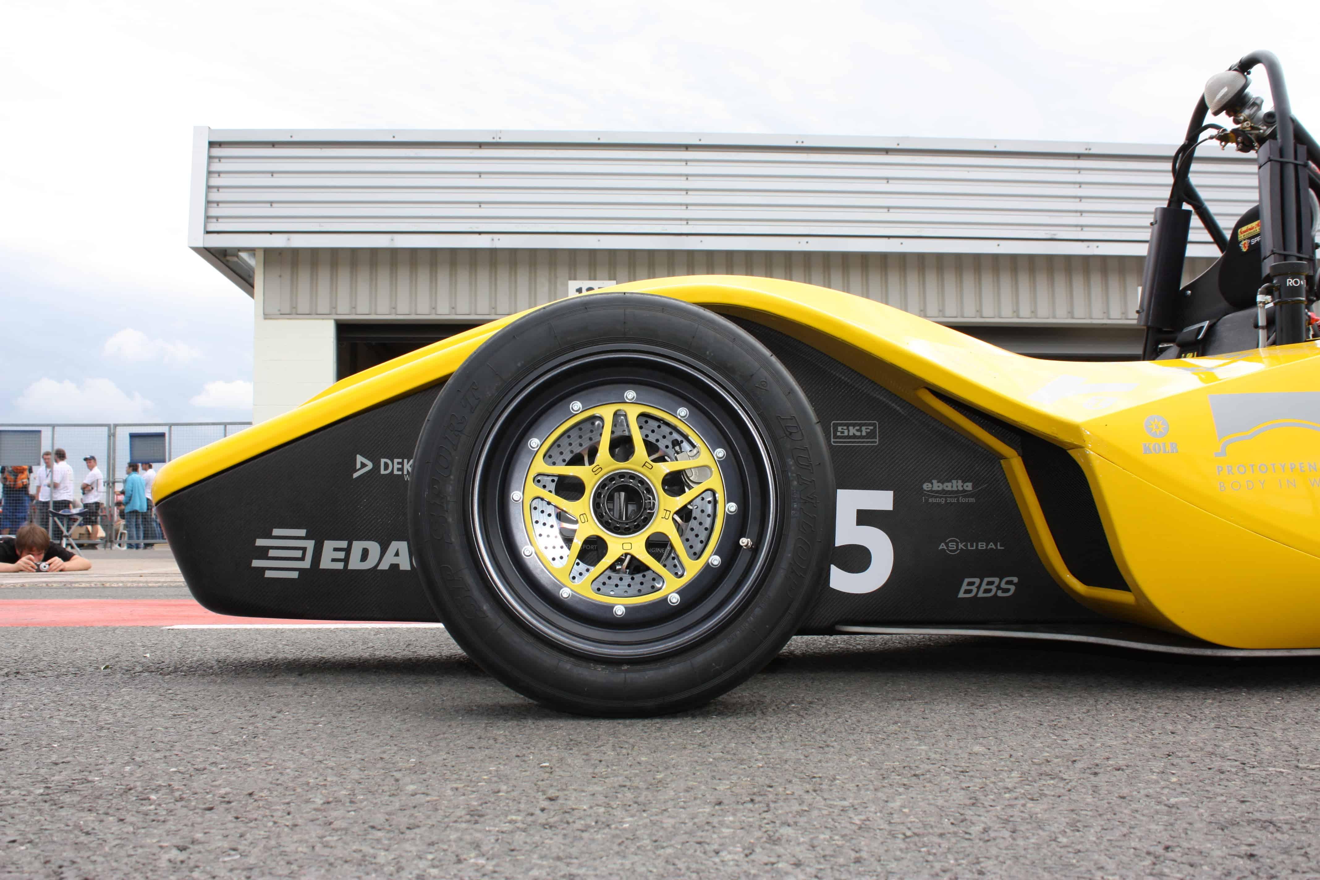 Formula-Student-SPR09-Combustion-Scuderia-Mensa